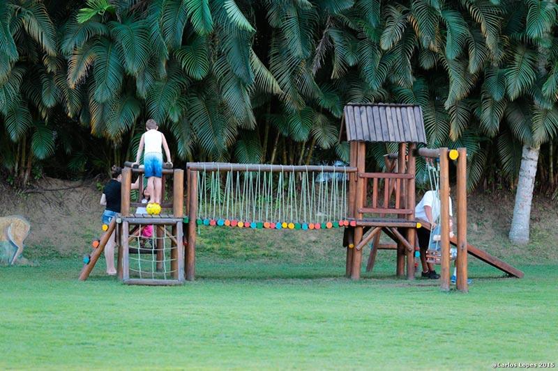 playground infantil na parte externa