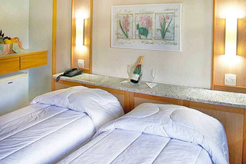 Quarto Standard Vista mar, com duas camas solteiro