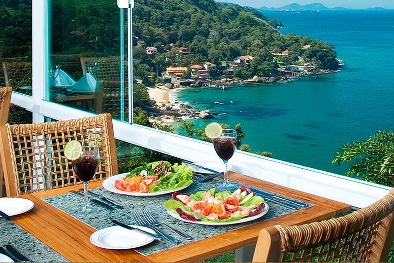 Restaurante com vista mar para desfrutar da melhor vista que Angra pode oferecer