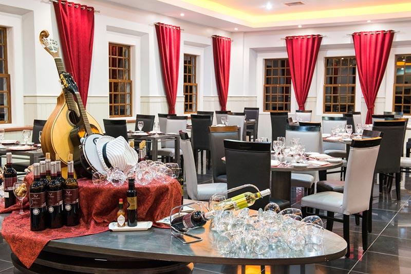 Restaurante Fado & Samba bom para jantares com vios selecionados
